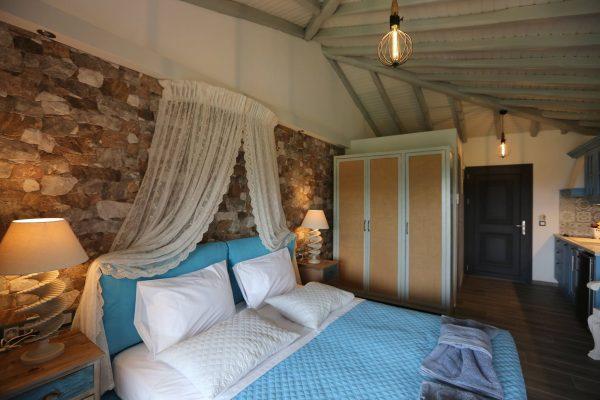 Theodora-Deluxe-bedroom-2